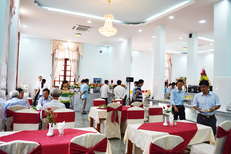 Nhà hàng Hoa Viên