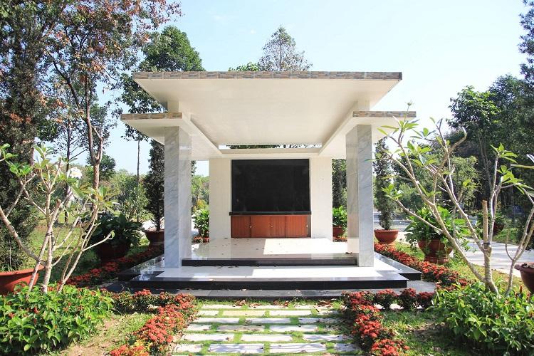 Khu mộ song thân hoa viên Bình Dương